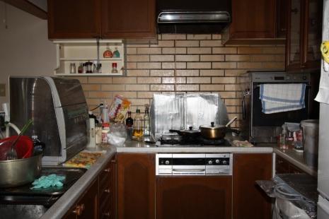 豊川市リノベーション前キッチン
