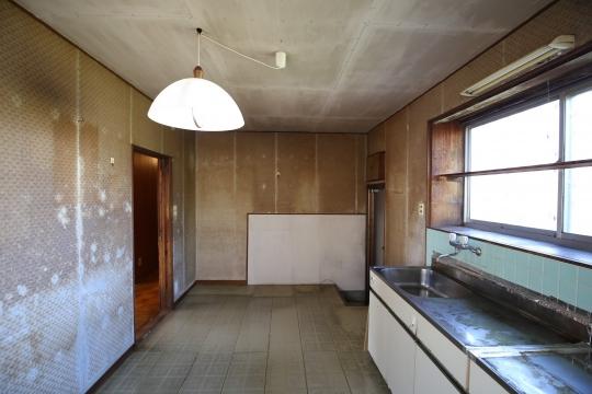豊橋市リノベーション前キッチン