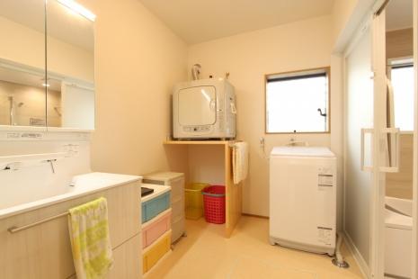 豊川市洗面脱衣室