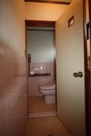 豊川市リノベーション前トイレ